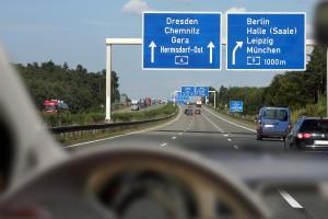 Autobahn Vordergrund unscharfAltersweitsichtigkeit-Presbyopie