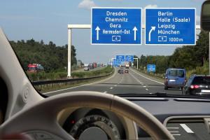 Autobahn, Vorder- und Hintergrund scharfweitsichtigkeit-hyperopie